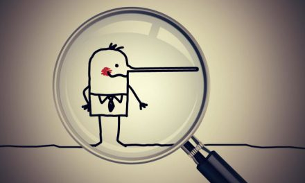 ۷ ترفند برای تشخیص دروغ از واقعیت در مذاکرات و روابط اجتماعی