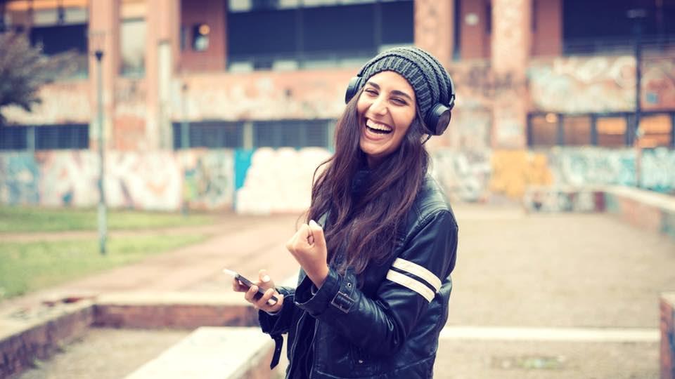 ۲۰ راز شادی افراد خوشحال و باهوش