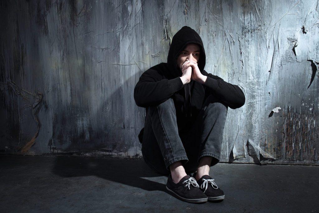 اختلال اضطراب چیست؛ نشانههای اضطراب و راههای درمان آن