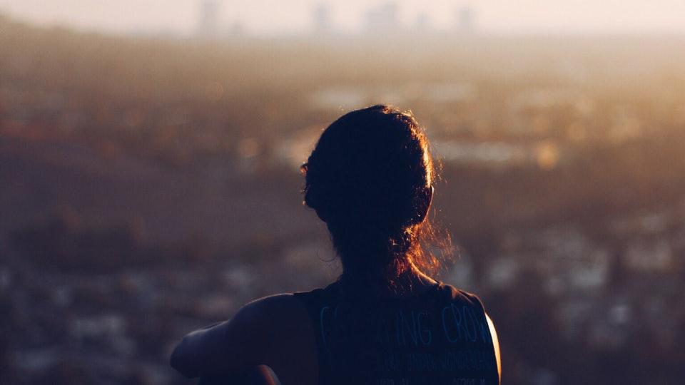 ۱۰ عادت بدِ کوچک نامحسوس که سلامت جسمانی و سلامت روانی شما را تهدید میکند