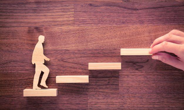 توصیههایی برای قرار گرفتن در مسیر پیشرفت شغلی