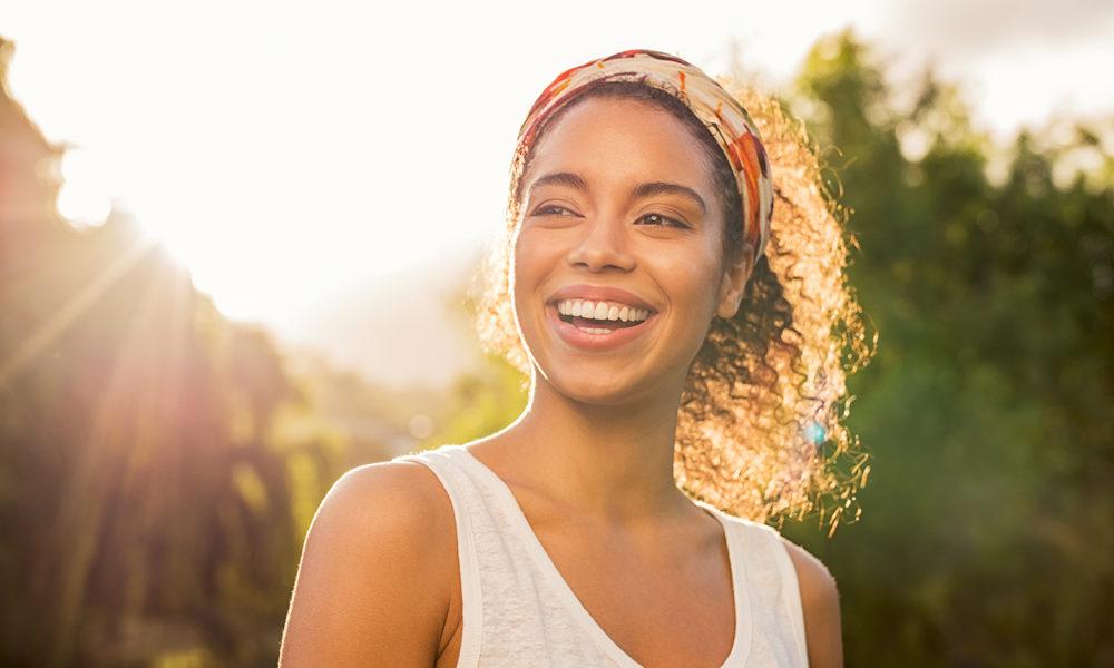 تأثیر لبخند زدن بر روی شما و اطرافیانتان