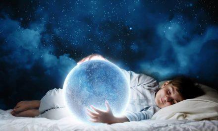 رویای شفاف چیست و نظر روانشناسان درمورد آن چه است؟