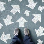۱۰ عامل عجیبی که بر تصمیم شما اثر می گذارد.