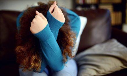 از نشانهها تا درمان حملات پانیک