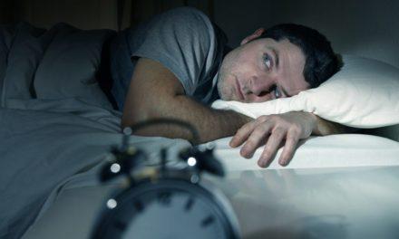 ۸ علت بیدار شدن از خواب در شب