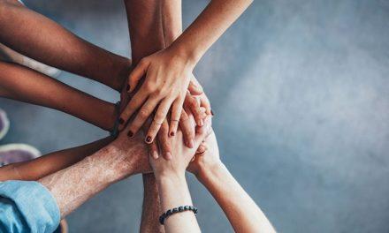 تعریف کار گروهی؛ و چگونگی تکامل گروه از نظر تاکمن