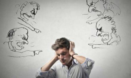 چند روش برای غلبه بر افکار خودانتقادی مخرب