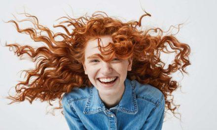 ۷ فایده خنده درمانی برای سلامت ذهن و جسم