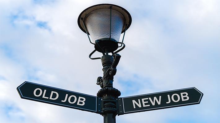 ۱. دوست دارید در ۱۰ سال آینده چه شغلی داشته باشید؟