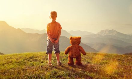 آیا داشتن دوست خیالی کودکان نگرانکننده است؟