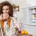 """۱۰ کاری که بیشترین آسیب را به """"سیستم ایمنی"""" بدنتان وارد میکنید!"""