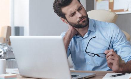 چرا نشستن زیاد در طول روز برای سلامتی ضرر دارد؟