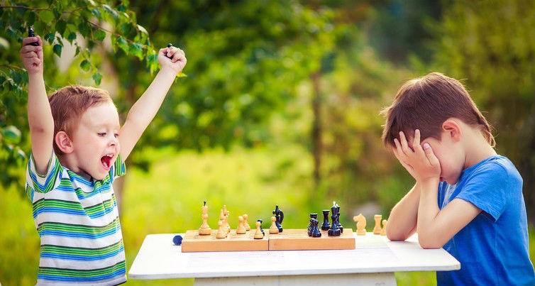 ۸. شطرنج خلاقیت کودکان را افزایش میدهد.