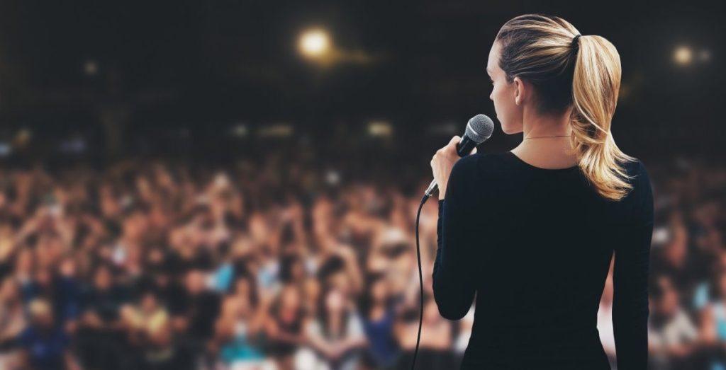 ۱۰ نکته برای ارتقای مهارت سخنرانی در افراد درونگرا