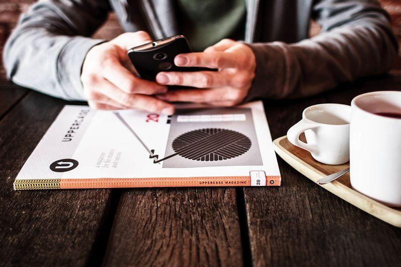 – آیا نوشیدن یک فنجان قهوه، انرژی لازم برای فعالیت در کل بعدازظهر را فراهم نمیکند؟