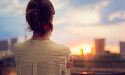 چگونه احساس تنهایی را کنار بگذاریم؟