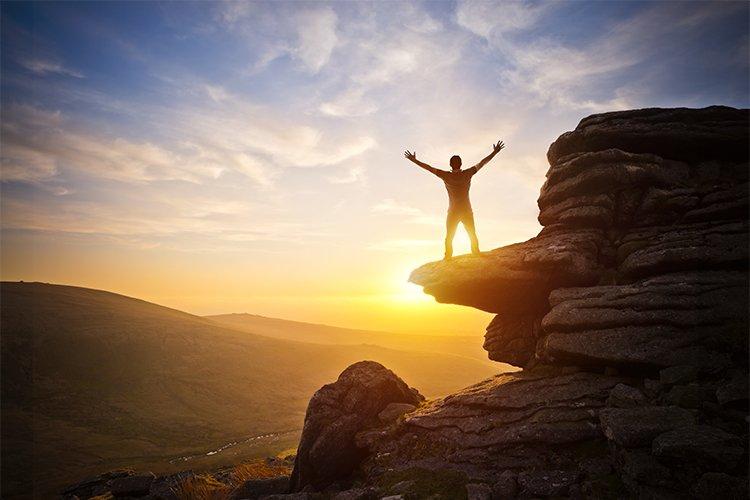 ۱۲. در قانون جذب کمال هر چیزی دستیافتنی است.