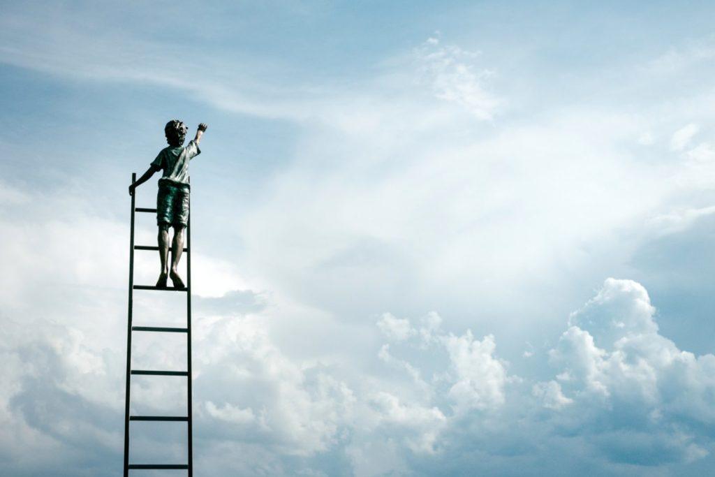 ۳. تفاوت بین تلاش زیاد و کمال گرایی را بدانید.