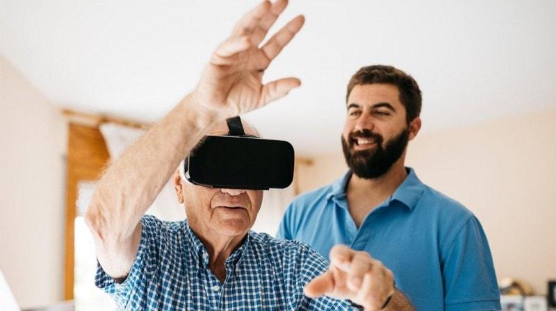 اثرات استفاده از هدست واقعیت مجازی روی بیماران چیست؟