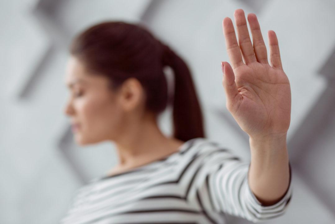 ۱. انتقاد سازنده را از انتقاد مخرب تفکیک کنید.