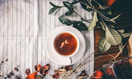 ۱۱ خاصیت چای سیاه