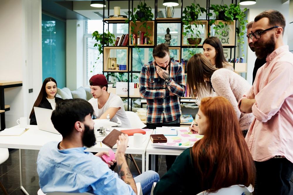 آیا شرایط کمک داوطلبانه بین مدیر و کارمند متفاوت است؟
