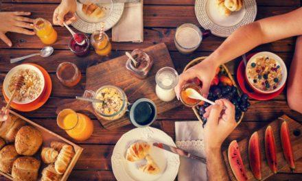 ۱۷ صبحانه رژیمی که به کاهش وزن و تناسب اندام کمک میکنند.