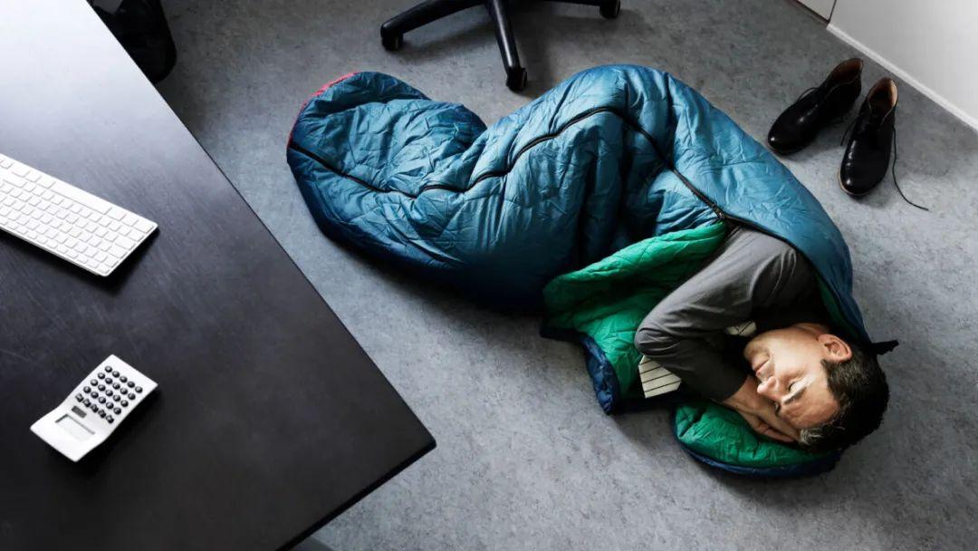 برای مقابله با اثرات کمخوابی در محیط کار چه کنیم؟
