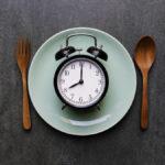 بهترین زمان خوردن شام جهت کاهش وزن چه زمانی است؟
