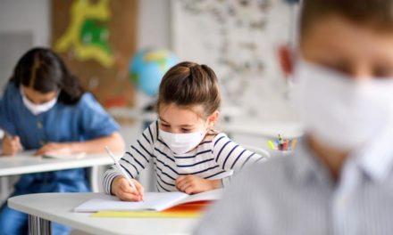 مجازی شدن مدارس چه تأثیری بر اضطراب کودکان و نوجوانان دارد؟