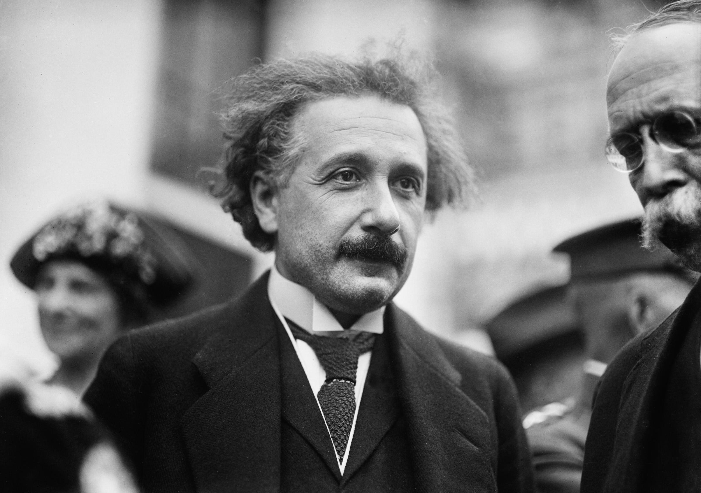 ۵. آلبرت انیشتین (Albert Einstein)